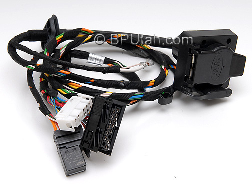 Range_Rover_Trailer_Wiring_Harness_YWJ500480_B range rover genuine oem factory trailer tow wiring harness 2008 range rover trailer wiring harness at n-0.co